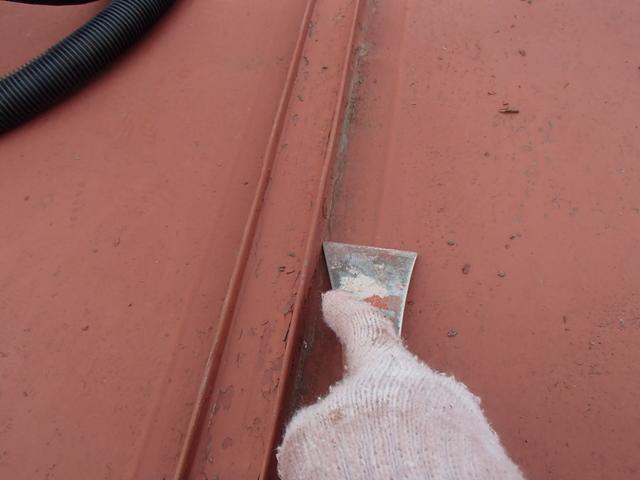 手ケレン 死膜除去 トタン屋根塗装