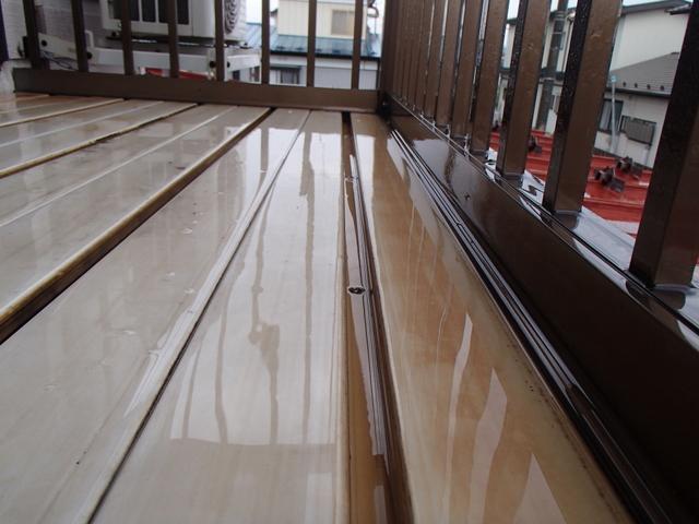 ベべランダの床  目地 清掃