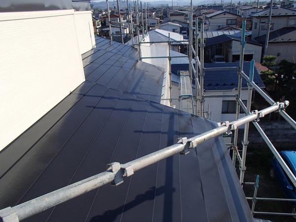 トタン屋根塗装 上塗り2回塗り後