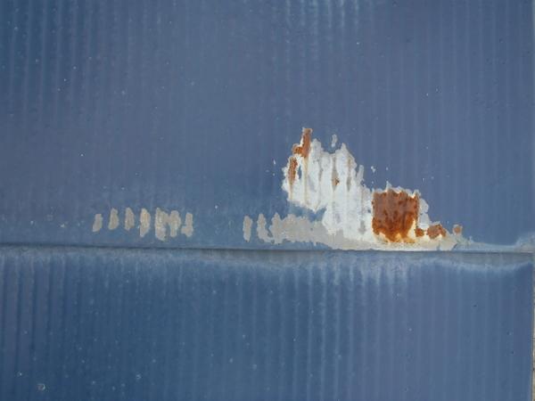 トタン屋根塗装 錆 塗膜の剥がれ