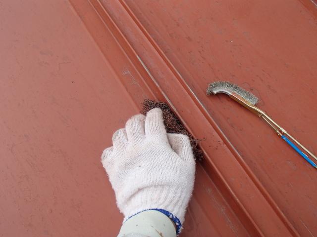トタン屋根 ケレン作業