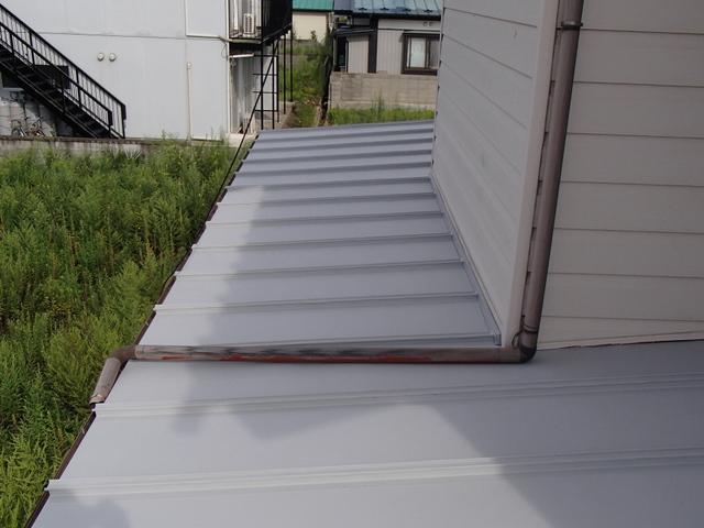トタン屋根 錆び止め塗装完了