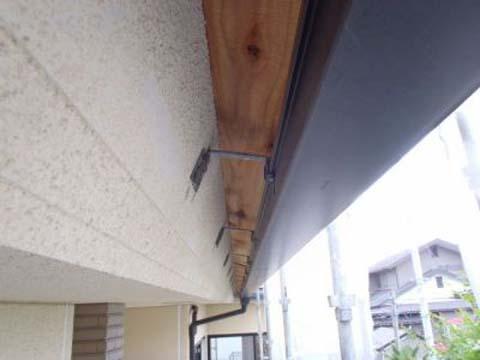 外壁塗装 鼻隠し/破風板 施工前