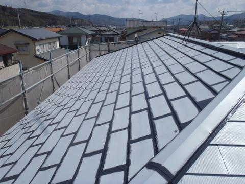 トタン屋根塗装 上塗り1回目 刷毛塗装