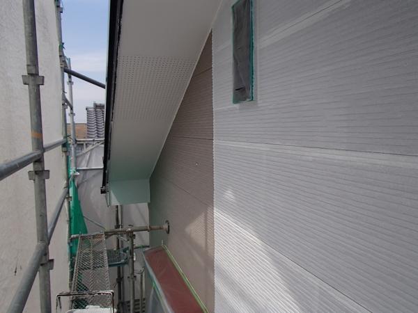 外壁塗装 下塗り塗装中