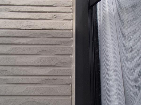 外壁塗装 窓周り シーリング/コーキング切れ 裂け