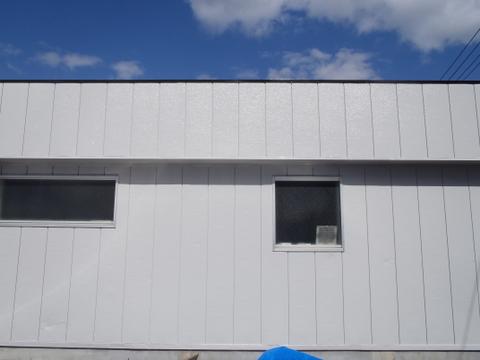 外壁塗装 金属サイディング 上塗り2回目
