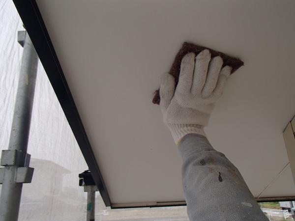 軒天塗装 下地処理