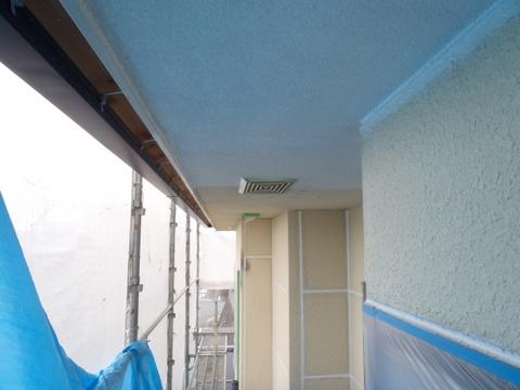 軒天・外壁塗装 下塗り