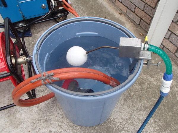 フロート弁 屋根塗装 水